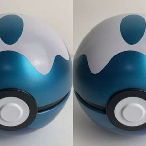 Pokemon - 2x DIVE BALL Pokeball 2020 Empty Summer tin No packs Cosplay Display for Sale in East Los Angeles, CA