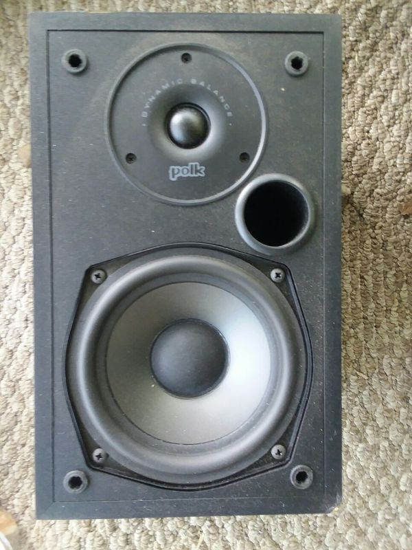 Polk audio bookshelf speaker sound system audio ( only one ) excellent condition
