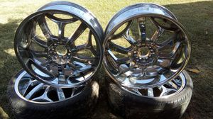 "Chrome Rims 20"" with no curb rash for Sale in Kingsburg, CA"
