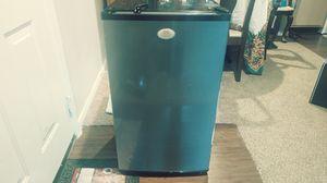 Daewoo Small Refrigerator for Sale in Dallas, TX