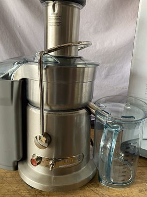 Breville the juice fountain Elite stainless steel / machine new excellent condition open box all accessories included in original packaging packaging for Sale in Las Vegas, NV