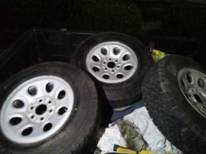 BF GOODRICH 245/75/17 TIRES for Sale in Fresno, CA
