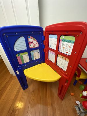 Little artist play and fold with white and blackboard for Sale in Alexandria, VA