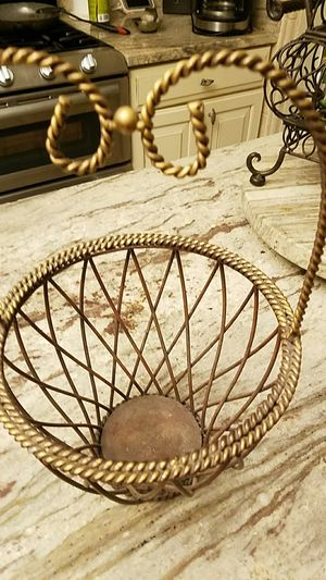 Basket, wire for Sale in St. Louis, MO
