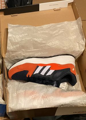 Men's Adidas Shoes / Size: 8.5 / NEW IN BOX / Pick-up in Cedar Hill / Shipping Available for Sale in Cedar Hill, TX