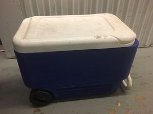 Cooler on Wheels - dusty for Sale in Lincolnia, VA