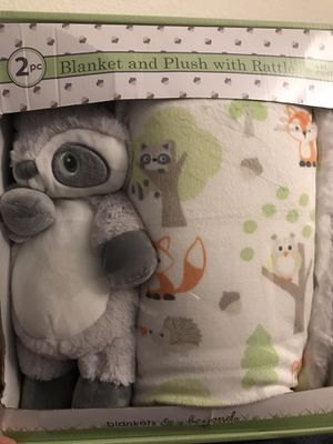 Brand new never used blanket and plush with rattle for Sale in Dinuba, CA