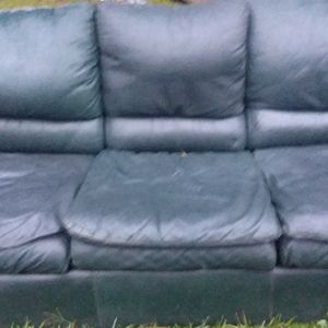 Blue Leather Great Condition No Scratches Holes Tears for Sale in Alexandria, LA