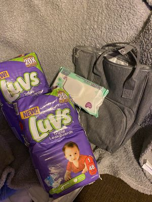 Diapers/wipes/little diaper bag for Sale in Lorain, OH