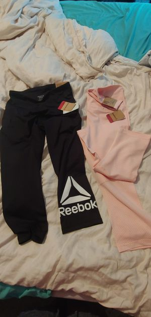 Reebok Small leggings yoga pants for Sale in CHAMPIONS GT, FL