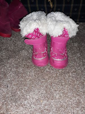 Toddler girl boots for Sale in Rockford, MI