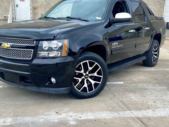 2013 Chevy Avalanche Black Diamond for Sale in Carrollton,  TX