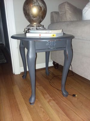 Antiqued End table for Sale in Portland, OR