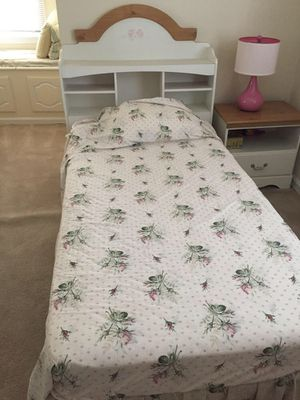 Twin bed for Sale in Silver Spring, MD