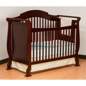 Baby crib like new and changing table for Sale in Virginia Beach, VA
