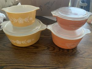 Pyrex bowls (4) - missing one lid for Sale in Alexandria, VA