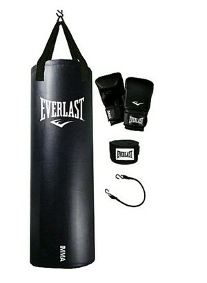 EVERLAST PUNCHING BAG KIT (70LBS) for Sale in Hialeah, FL