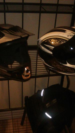 Motorcycle helmets, adult raiders full face for Sale in Portland, OR