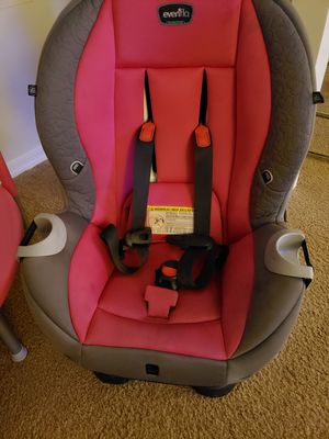 Car seat pink for Sale in Orlando, FL