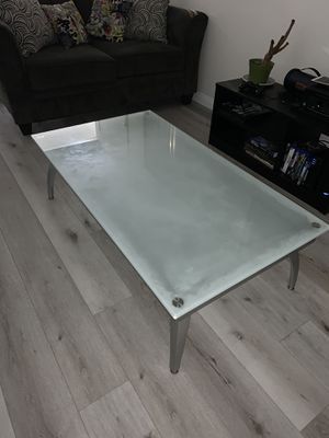 Coffee table for Sale in Chino, CA