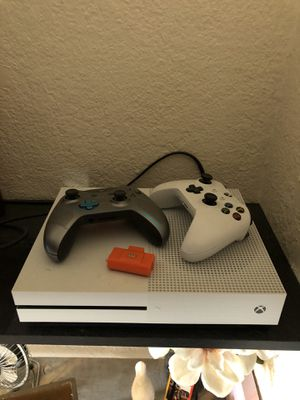 Xbox one 1tb for Sale in Lancaster, CA