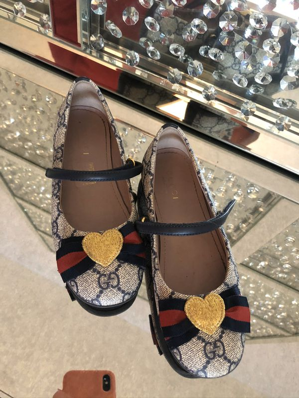 Gucci girl dress shoes
