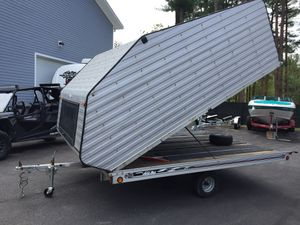 """2005 Floe 12'x101"""" enclosed clam shell trailer all aluminum will trade for Sale in Westford, MA"""