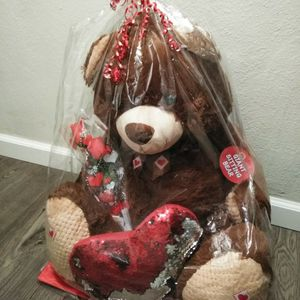 Giant Brown Bear, Giant Teddy Bear, Giant Stuffed Bear, Toys, Valentine's Gifts, Valentine's Day Gift, Hearts for Sale in San Diego, CA