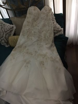 Wedding dress for Sale in Bridge City, TX