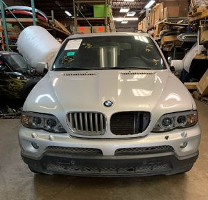 PARTING OUT 2006 BMW X5 TITAN SILVER METALLIC for Sale in Irving, TX