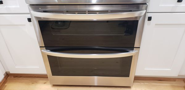 New LG Electric Double Oven Range with ProBake Convection® and EasyClean