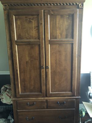 Computer or TV cabinet (Ethan Allen) for Sale in Westerville, OH