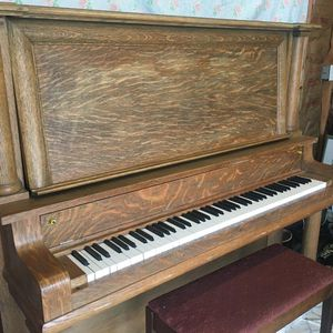 Free 1910 Piano for Sale in Portland, OR
