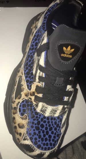 Adidas Falcon Out Loud Sneakers SIZE 8 WOMENS for Sale in Newark, NJ