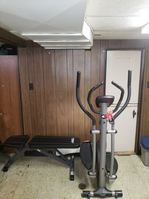 Elliptical machine w/work out binch for Sale in Detroit, MI