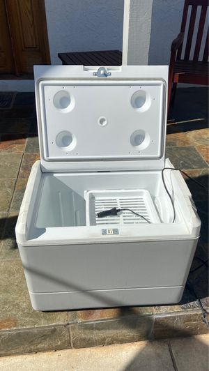 12 volt cooler for car/suv for Sale in San Diego, CA