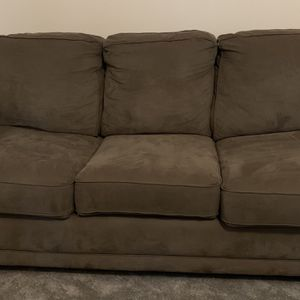 Comfortable Pull-out Couch With Inflatable Mattress for Sale in Des Moines, WA