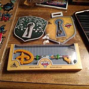 Disney Key And Pins for Sale in Orange, CA