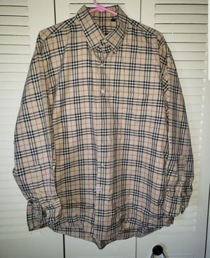 Burberry long sleeves size XL for Sale in Kenosha, WI