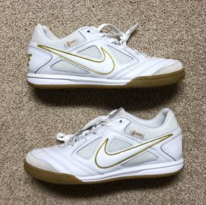 NWOB Nike Gato SB - White/Gold Skateboarding Shoes (AT4607-100) Men's SZ 8.5 for Sale in Clermont, FL