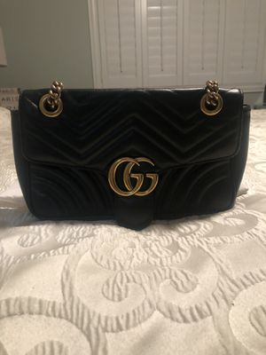 Authentic Gucci Marmont Small Matelasse Shoulder Bag for Sale in Livermore, CA