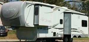 2O11 White Camper for Sale in CORP CHRISTI, TX