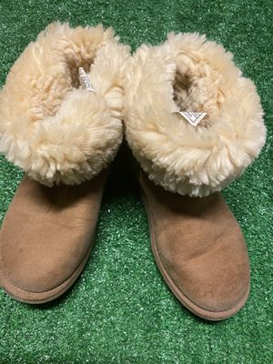Uggs size 6 for Sale in Moreno Valley, CA