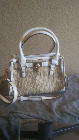 Charming Charlies white purse - medium size - new for Sale in Henderson, NV