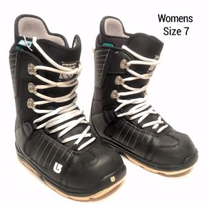 Womens Burton Snow Boots (Size 7) for Sale in Beaverton, OR