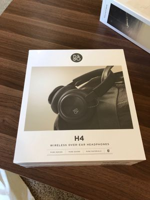 Beoplay H4 wireless headphones for Sale in Woodinville, WA