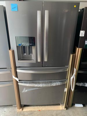 Refrigerator Whirlpool Stainless Steel 36' 4 door. New. Warranty for Sale in Hialeah, FL