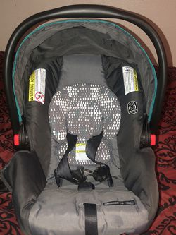 Baby Car Seat With Base for Sale in Houston,  TX