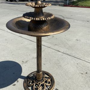 Plastic Water Fountain for Sale in Bell Gardens, CA