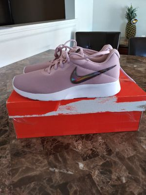 Nike womens size 7.5 for Sale in Denver, CO